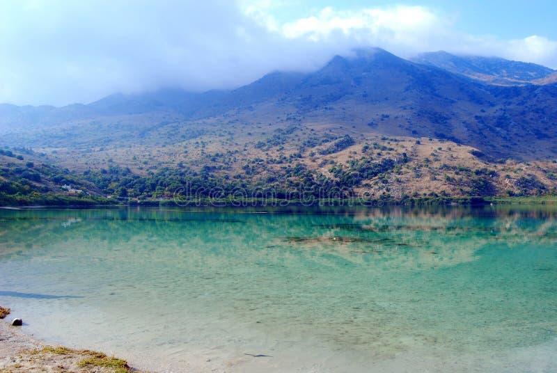 Озеро Kournas, остров Крита стоковое изображение rf