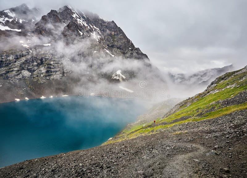 Озеро Kul алы в Кыргызстане стоковые фото