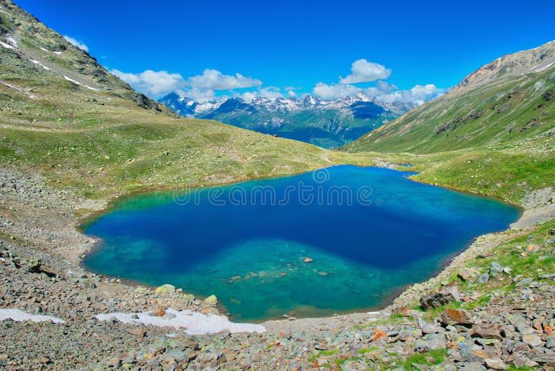 Озеро Languard озера малое высокогорное в Rhaetian Альпах в долине Engadine стоковое фото