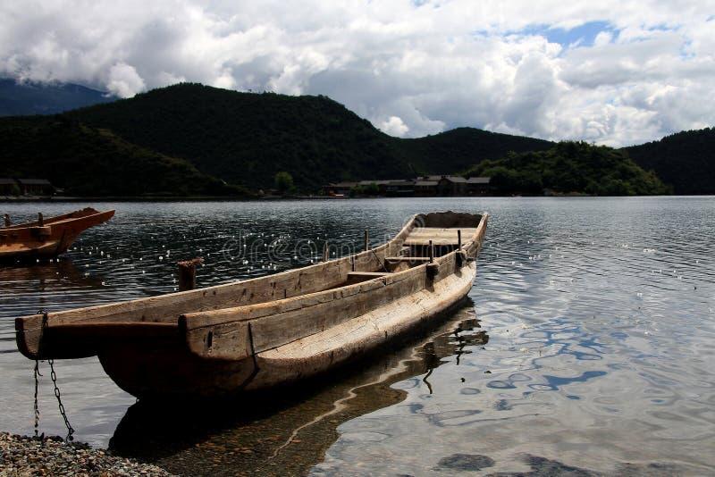Озеро Lugu, Lijiang, Юньнань, Китай стоковое изображение