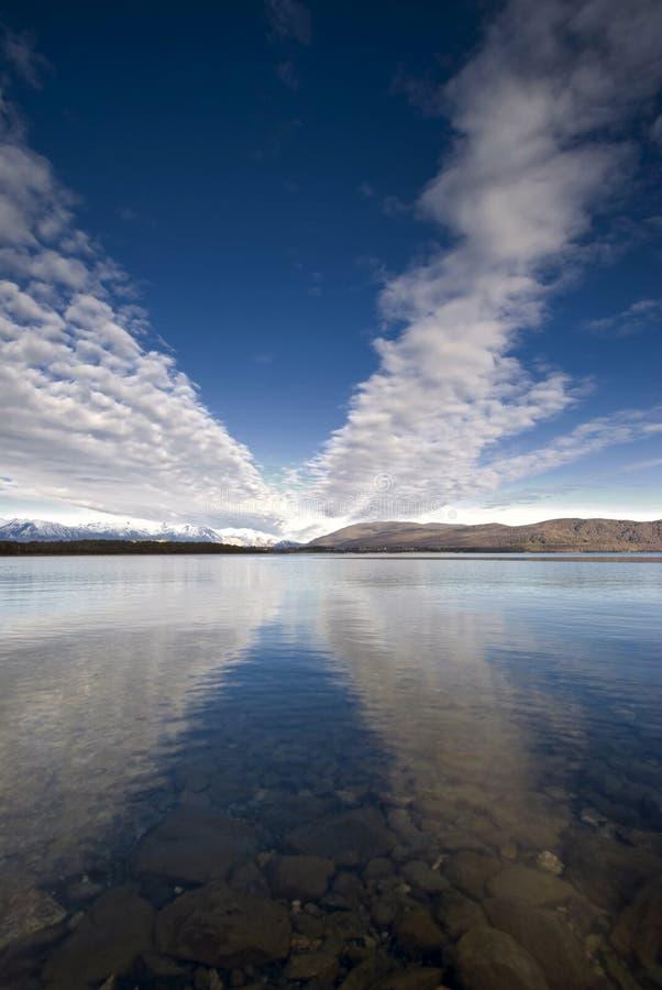 Download Озеро Manapouri, южный остров, Новая Зеландия. Стоковое Фото - изображение насчитывающей southland, outdoors: 33729508