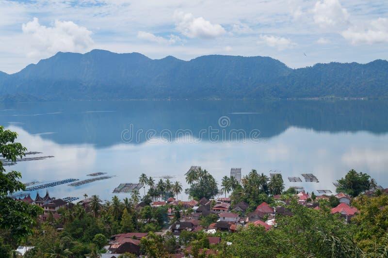 Озеро Maninjau (Danau Maninjau) стоковая фотография rf