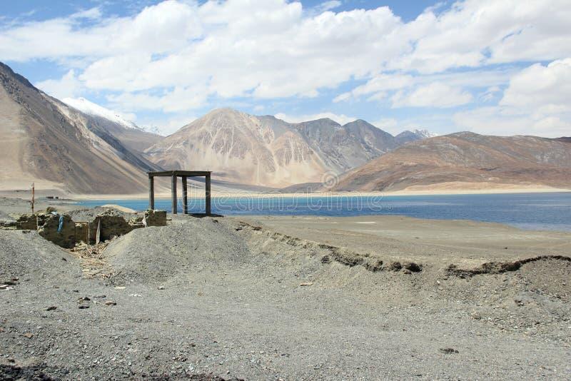Озеро Pangong в Ladakh. стоковые изображения