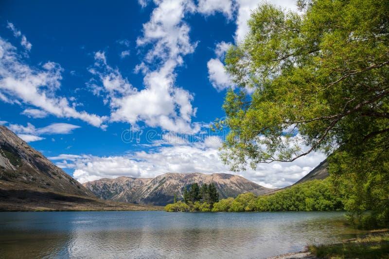 Озеро Pearson в Новой Зеландии стоковые изображения rf