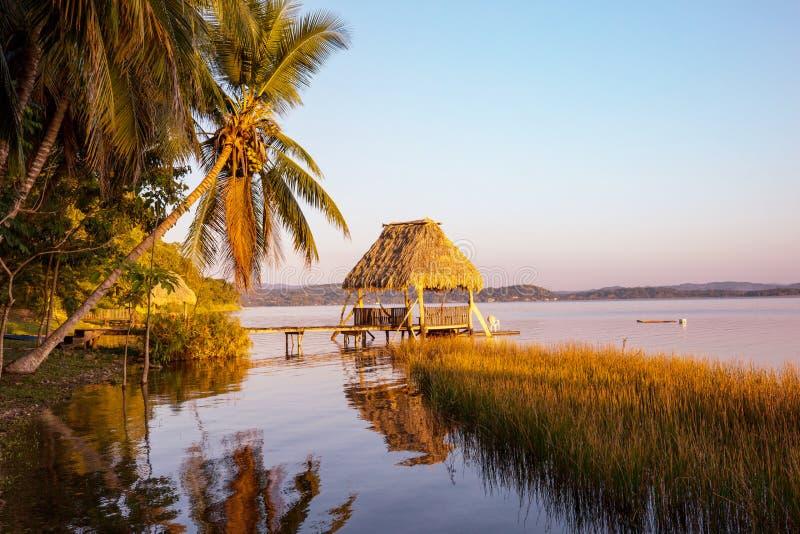 Озеро Peten стоковое изображение rf
