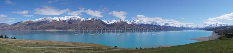 Озеро Pukaki, кашевар горы, Новая Зеландия стоковые изображения