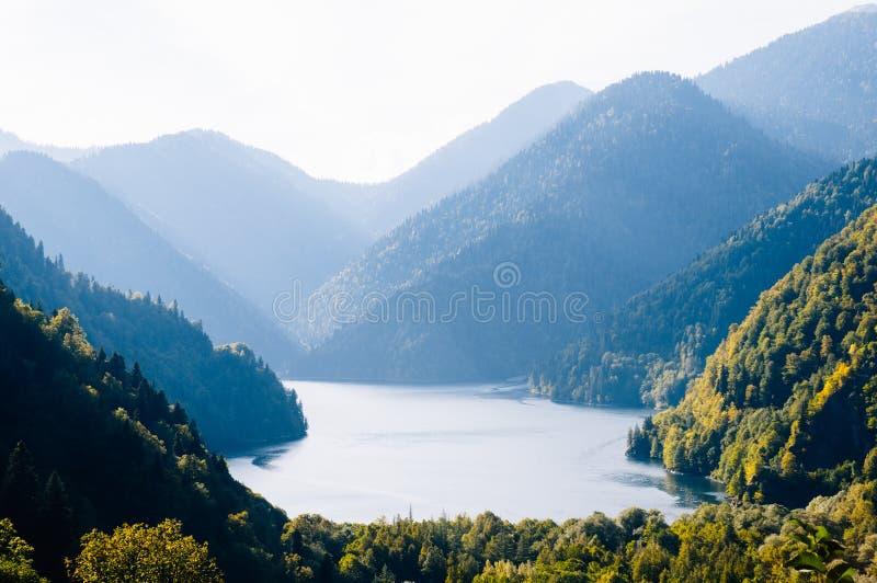 Озеро Ritsa гор 8/5000 abkhaziya абхазия стоковая фотография