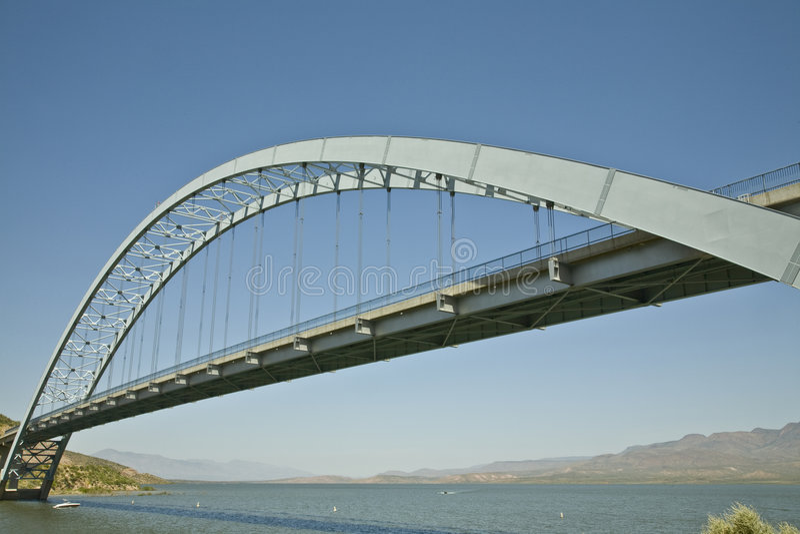 озеро roosevelt моста стоковое фото
