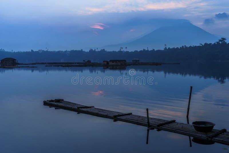 Озеро Sampaloc стоковое изображение rf