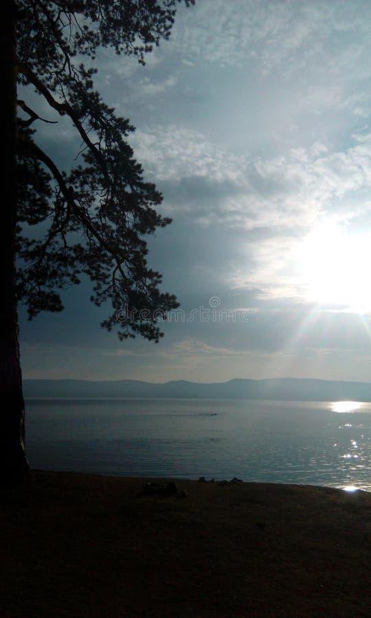 Озеро Turgoyak стоковое изображение rf