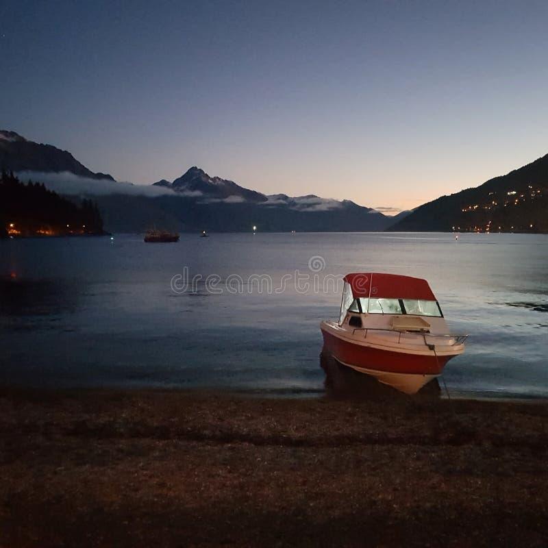 Озеро Wakatipu, Queenstown, NZ стоковое фото