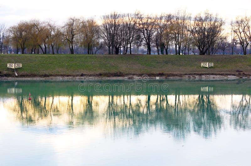 озеро zagreb jezero jarunsko jarun Хорватии стоковые изображения