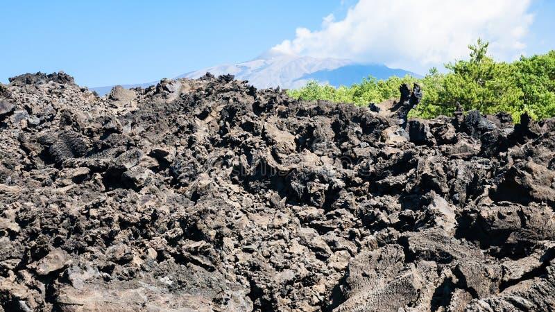 Окаменелый лавовый поток после извержения Этна вулкана стоковое изображение