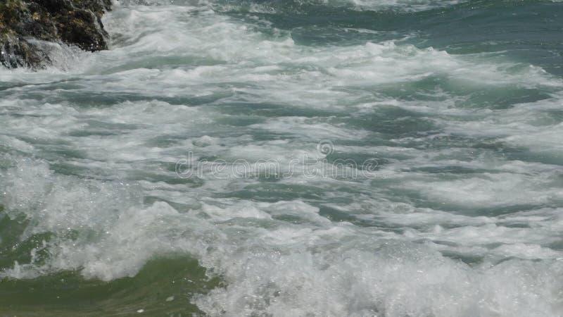 Океанские син заполнены с энергией стоковая фотография
