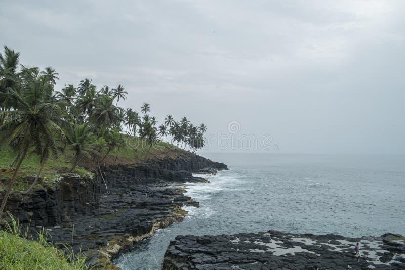 Океанский бассейн тропического острова Sao Tome стоковая фотография