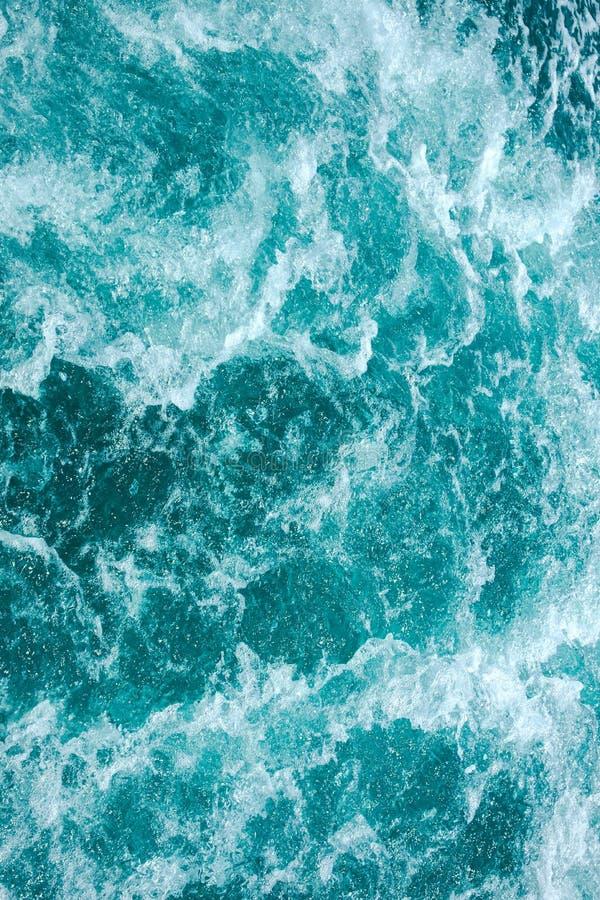 Океан брызгая волны бесплатная иллюстрация
