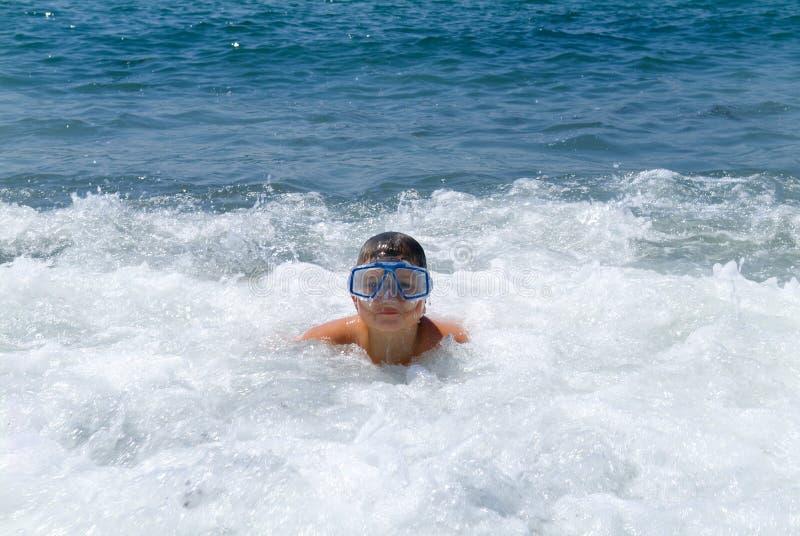 океан мальчика стоковое изображение