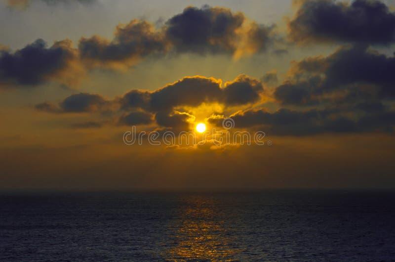океан над заходом солнца стоковые фотографии rf