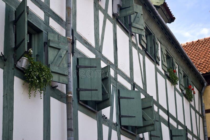 окна деревянные стоковая фотография