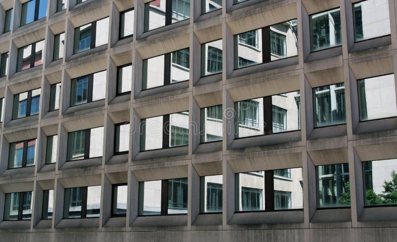 окна отражения офиса здания стоковое изображение rf
