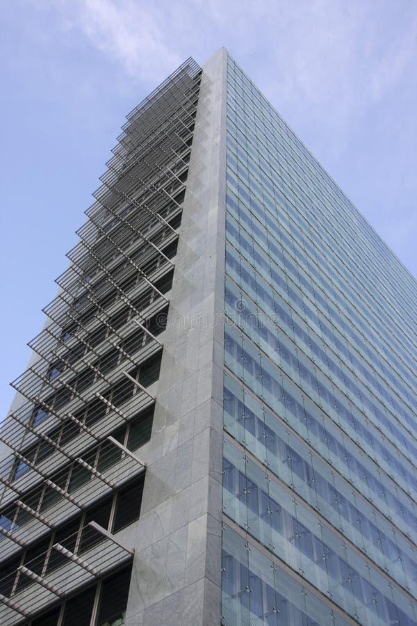 окна офиса зданий стоковые изображения rf