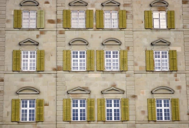 Download окна стоковое фото. изображение насчитывающей дом, древесина - 482146