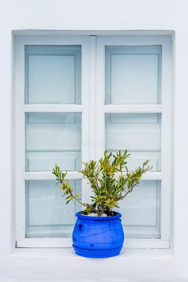 Окно в стиле страны, Santorini, Греция стоковые изображения rf