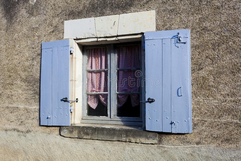 Окно в Crissay-sur-Manse стоковые фотографии rf