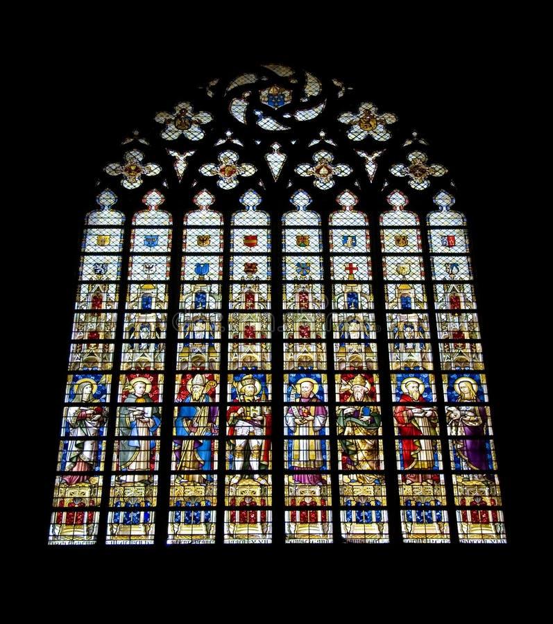 Download окно запятнанное стеклом стоковое изображение. изображение насчитывающей paris - 476099