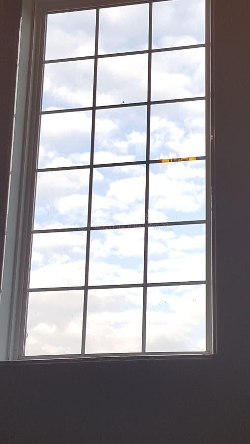 Окно к облакам стоковое изображение