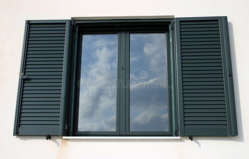 окно отражения стоковые изображения