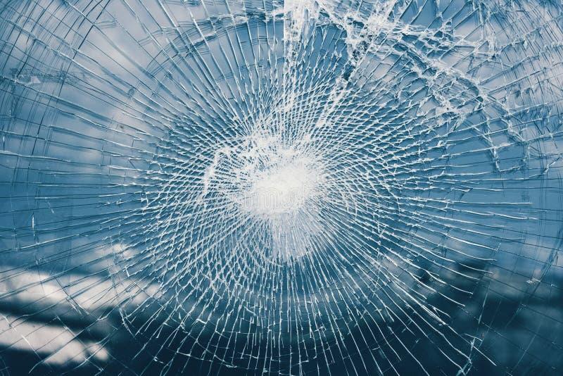 окно разрушенное стеклом стоковое изображение