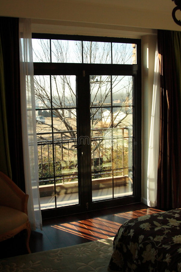 окно спальни стоковое фото