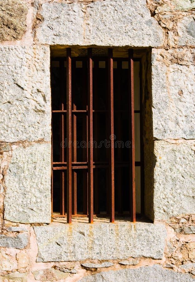 окно тюрьмы старое стоковое фото