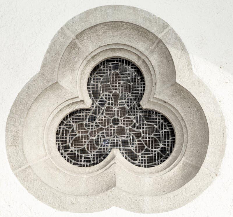 Окно Церковь старо готско барометрического стоковое фото rf