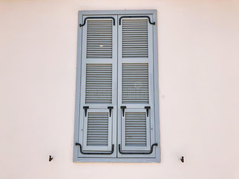 Окно частных современных домов на улицах в Rishon Le Сионе, Израиле стоковое изображение