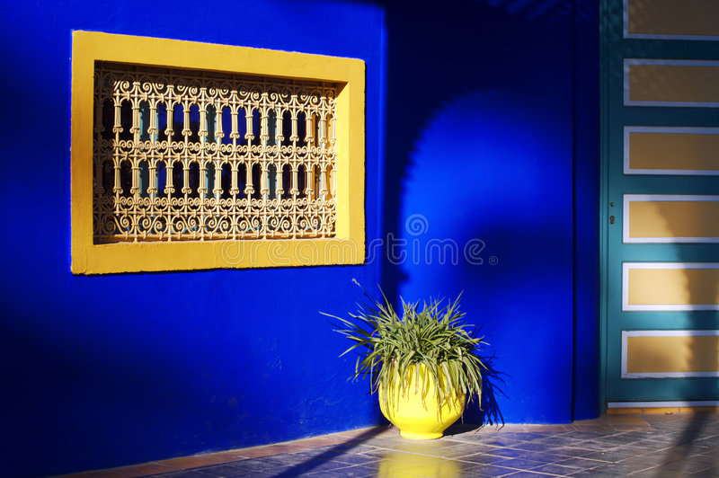 окно majorelle стоковое фото rf