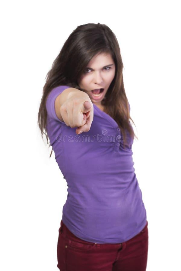 Окрик женщины брюнет сердитый и указывает палец на вас стоковые фото