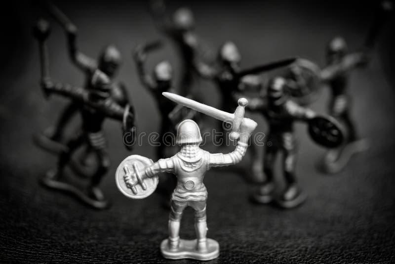 окруженный рыцарь стоковое изображение