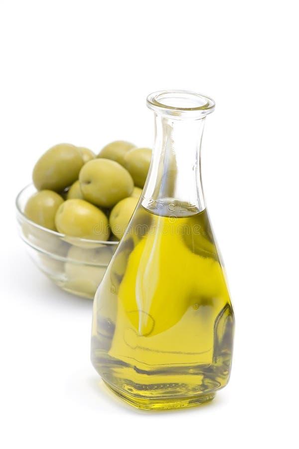 Оливковое масло с оливками стоковое фото rf