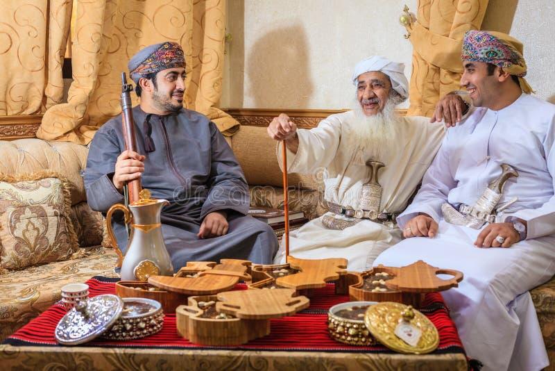 Оманские создателя halwa стоковое изображение