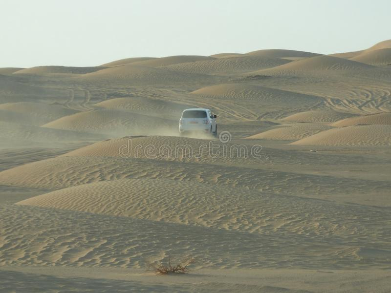 Оман, Salalah, поход в пустыне виллисом стоковые фотографии rf