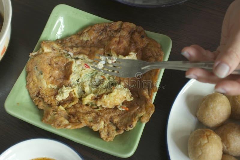 Омлет с яйцами муравья это особенная еда или местная еда северного восточного Таиланда стоковые изображения rf