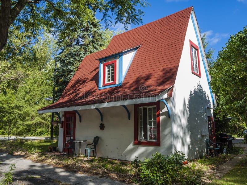 дом светя малой зиме солнца стоковое изображение rf