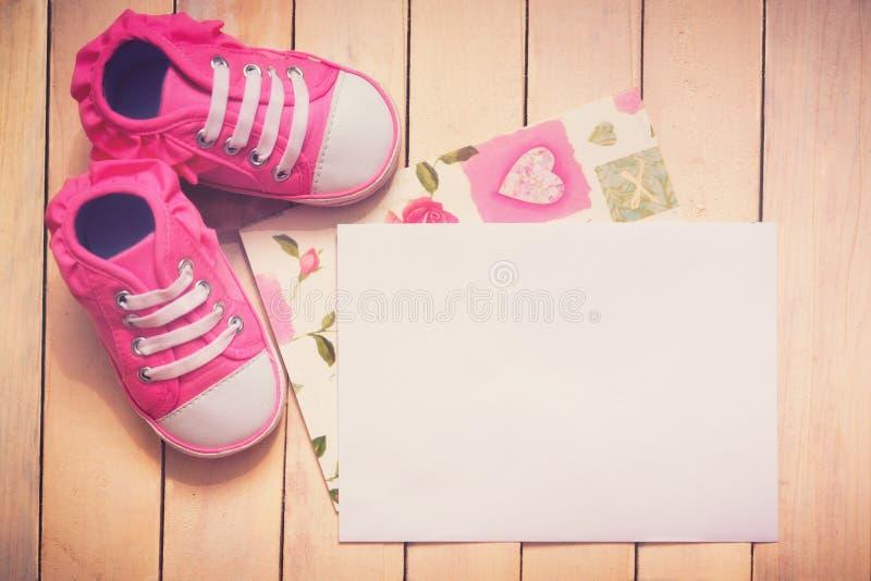 Оно ` s карточка девушки стоковая фотография rf