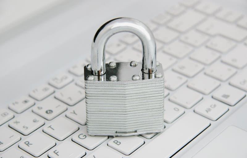 Онлайн безопасность стоковая фотография