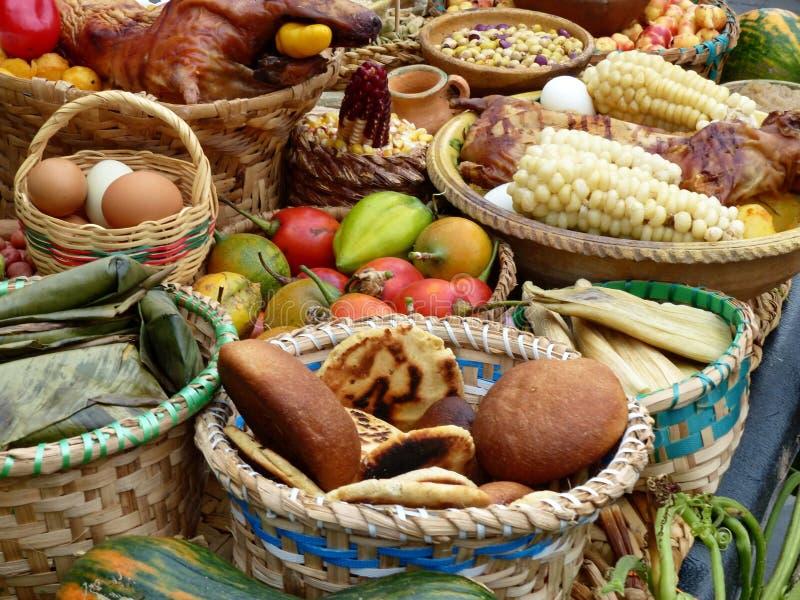 Он установил традиционных блюд эквадора стоковые изображения