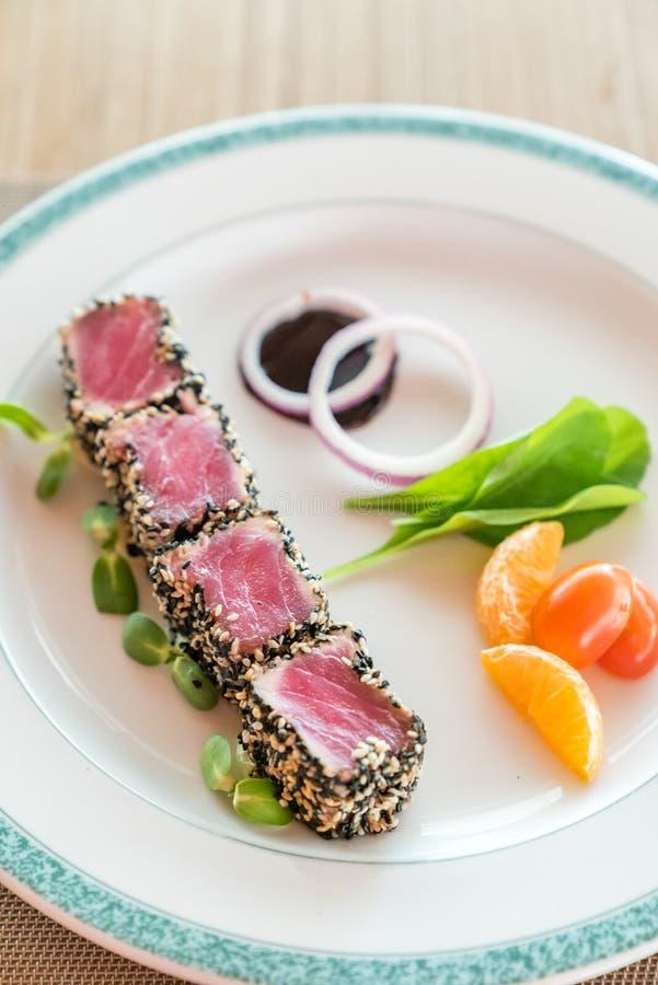 Опаленный салат тунца стоковое изображение