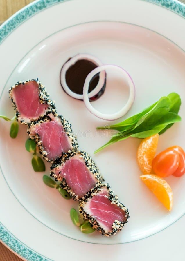 Опаленный салат тунца стоковые изображения