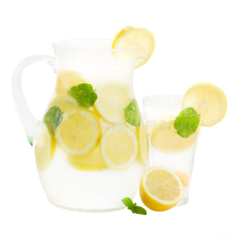 Опарник и стекло lemonad стоковая фотография